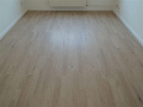 laminat auf holzboden verlegen dielenboden verlegen