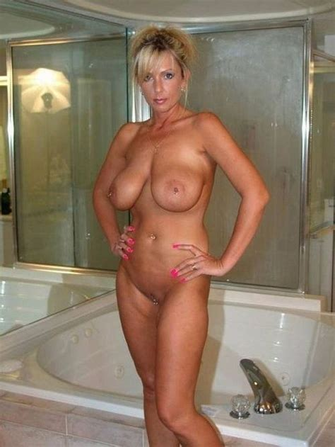Perfect Body Milf Is Ready For A Fuck In A Hot Tub Milf Update