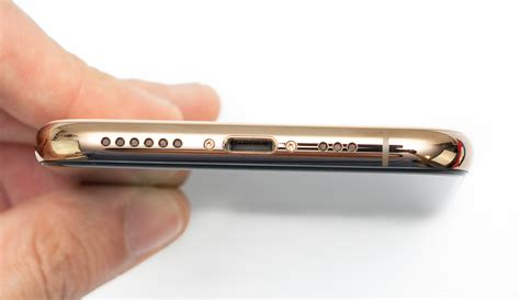 apple iphone xs review apples    expensive