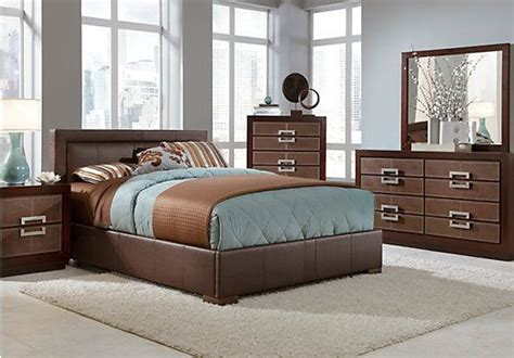 rooms to go bedroom sets queen shop for a city view 5 pc queen bedroom at rooms to go