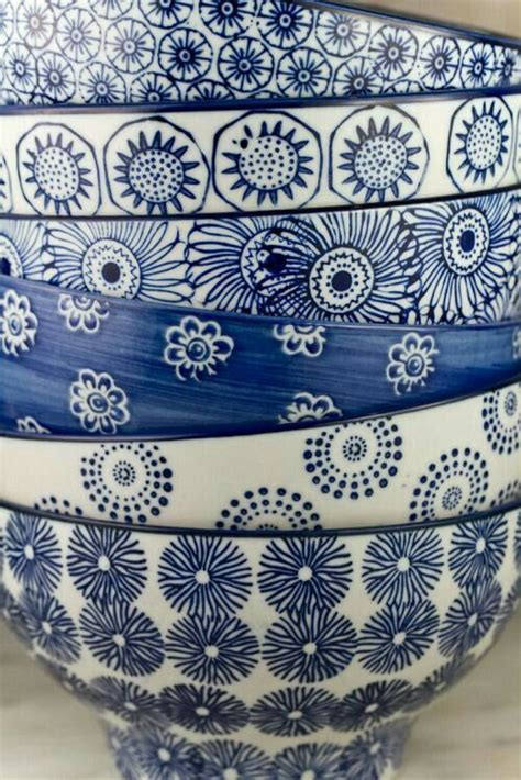 design quiz traditional blue  white pottery