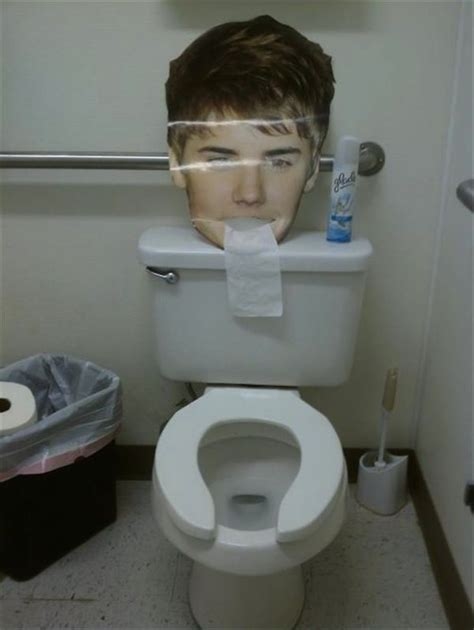 Justin Bieber In Shower by Justin Bieber Trowing Up In The Bathroom You Re Doing It