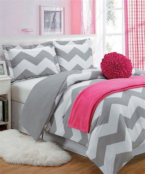 red chevron comforter 1000 ideas about chevron comforter on pinterest