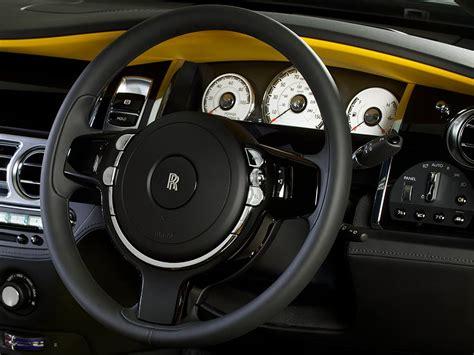 yellow rolls royce wraith rolls royce wraith golden yellow gros poussin le auto