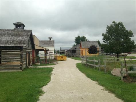 things to do in fort dodge iowa museum eposition picture of the fort museum frontier