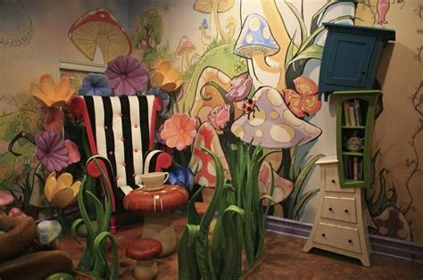 alice and wonderland bedroom alice in wonderland room pictures to pin on pinterest pinsdaddy