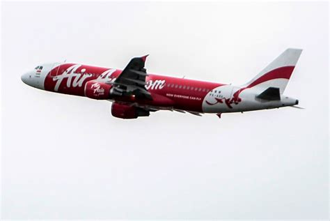 airasia plane missing airasia plane likely at bottom of sea