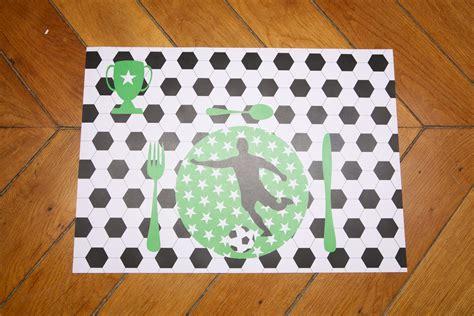 set de table foot sets de table papier anniversaire football sweet day