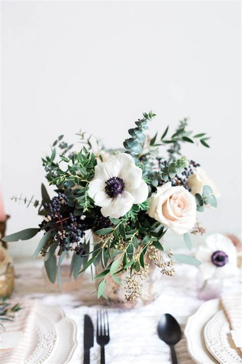 small floral centerpieces best 25 anemone centerpiece ideas on anemone