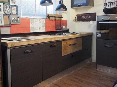 top per cucina in legno cucina moderna industrial con top legno massello completa