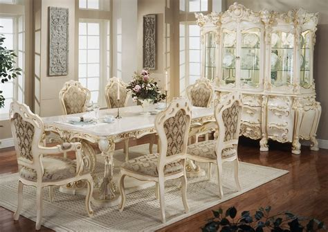 white on white antique reproduction home content in a decoratiuni in stil victorian fastimo