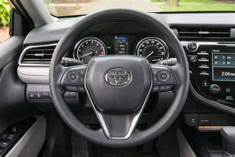 toyota steering wheel 2018 toyota camry enters production in kentucky