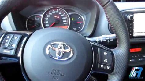 nuova yaris interni prova interni toyota yaris style test drive