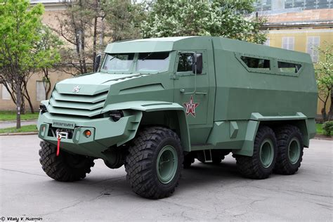 russian military jeep russian red star russia army military kolun 6x6 armored