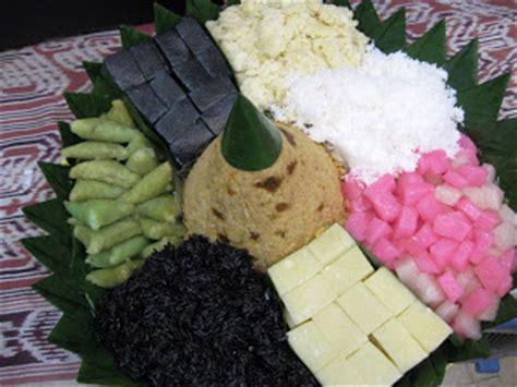 Tumpeng Tiwul aroma from alley kitchen tumpeng kuning tumpeng jajan