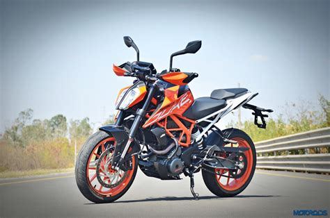 Ktm Duke 390 New New 2017 Ktm 390 Duke Review Belligerence Motoroids