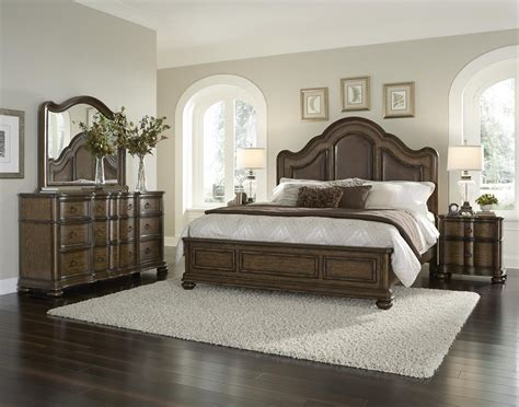 bedroom settee 4 piece pulaski quentin platform bedroom set