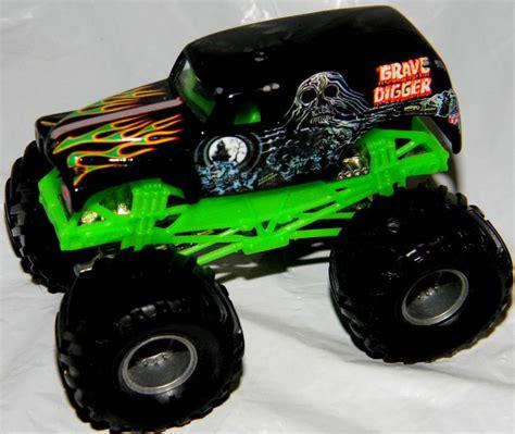 grave digger wheels truck wheel grave digger truck jam
