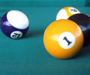how to remove chalk marks from pool table felt