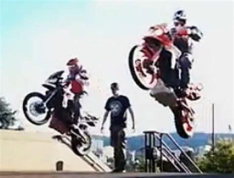 Motorrad Filme Action by Portland To Dakar Epic Motorrad Ride Action Abenteuer