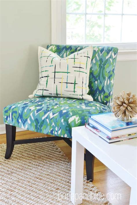 Painting Pillows by Diy Painted Pillow
