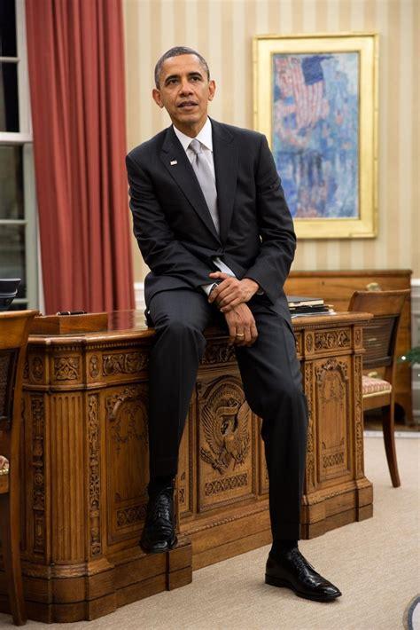 obama resolute desk obama resolute desk photo