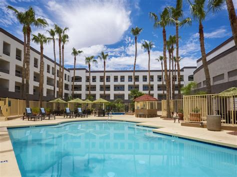 phoenix resort hotels hilton phoenix airport tempe book your hotel with