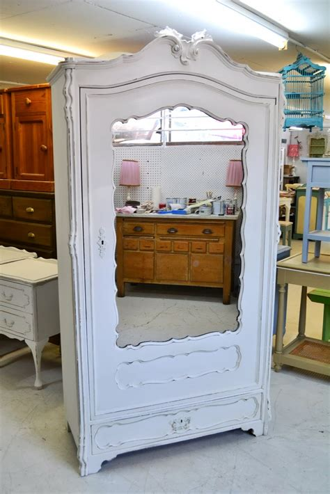 pure white annie sloan chalk paint tm chalk paint by pure white annie sloan chalk paint on pinterest pure