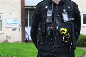 guard taser call for stun gun ban after burglary suspect dies daily mail