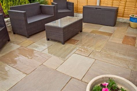 25 best ideas about patio slabs on paving