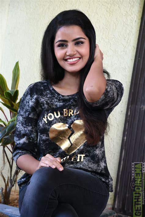 actress anupama parameswaran photo shoot stills gethu cinema