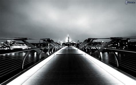 imagenes en blanco y negro de londres millenium bridge