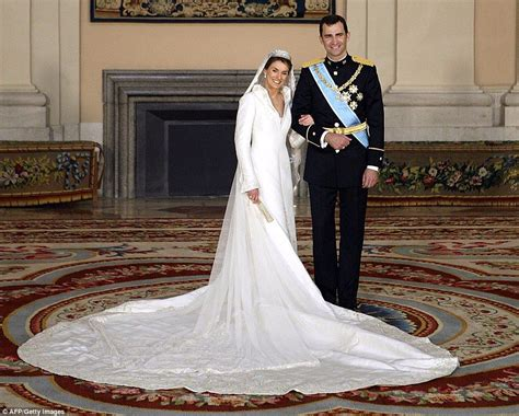 Elizabeths Wedding Dress Our One 3 by Loveliest Royal Wedding Gowns Since 1923 Remembered