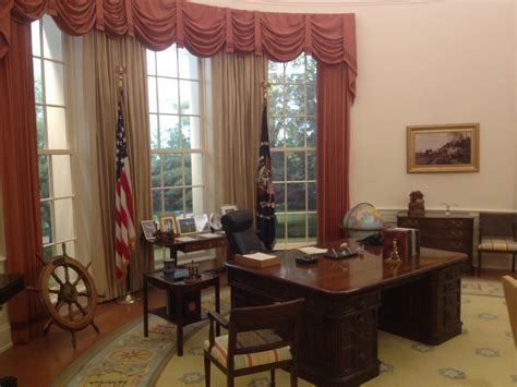 oval office table 100 oval office table 338 best offices images on