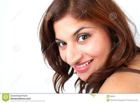 imagenes de mujeres otoñales mujeres bonitas foto de archivo imagen de feliz india