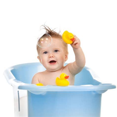 So macht Ihrem Kind das Baden Spaß   Elternwissen.com