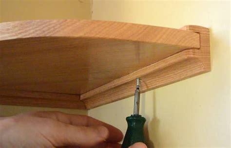 building  small corner shelf