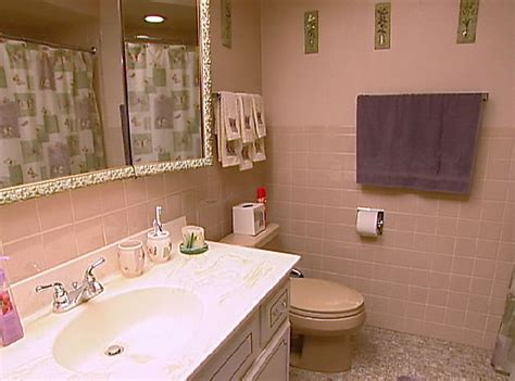 Pink And Brown Bathroom Ideas by Quot Save The Pink Bathrooms Quot Tv Makeovers That Make Us Oh
