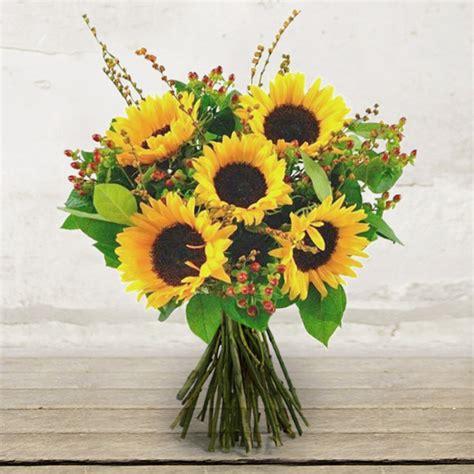 fiori a domicilio verona bouquet with sunflowers citt 224 dei fiori consegna in