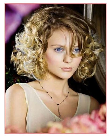 2018 CURLY SHORT HAIRCUTS   Short and Cuts Hairstyles