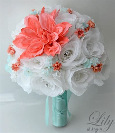 Flower Arrangements For Bridesmaids by Wedding Bridal Bouquets 17 Package Bridesmaid