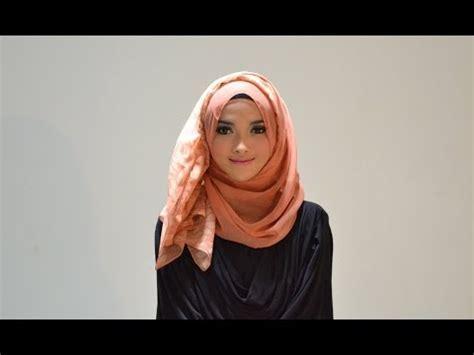 tutorial jilbab pashmina purple styles by ellen tutorial wide shawl ala arab doovi