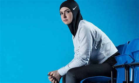 Polos St 3in1 Stelan Muslim nike introduces the pro for muslim athletes
