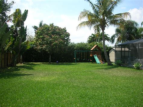 backyard images pinecrest miami fl home sale 7420 sw 127th street