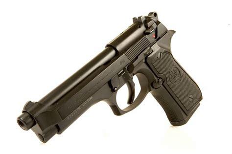 Seling Pistol Gantungan Pistol deactivated beretta 96fs