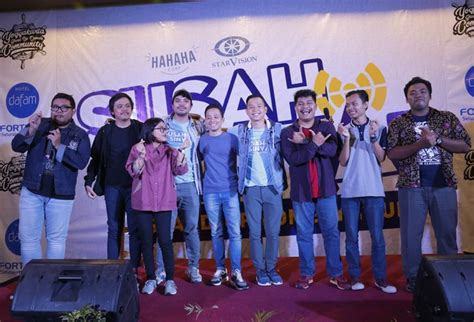 film stand up comedy indonesia susah sinyal stand up comedy tour berhasil mengocok perut