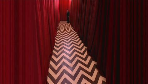 twin peaks red curtains pin by ashley en on the lair pinterest