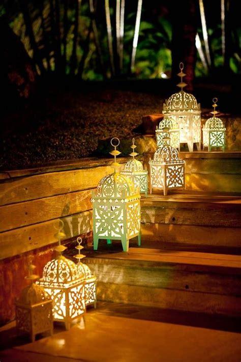lanterne candele candelabri e lanterne arredare con le candele around a