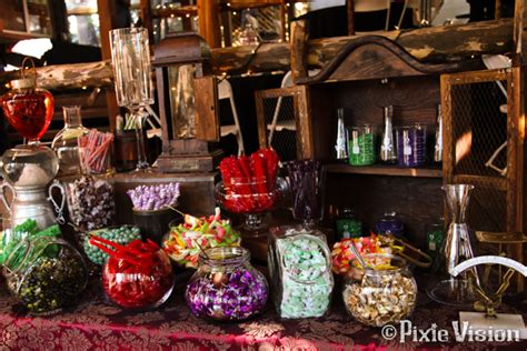 What's your candy buffet style? Come choose from 18 sweet