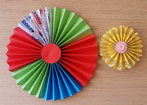 How To Make A Paper Fan Flower - tutorial paper fans rosettes medallions